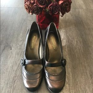 Atienne Aigner Mary Jane pumps